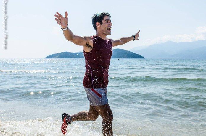 Ο Νίκος Σιδερίδης στον τερματισμό του WAVE