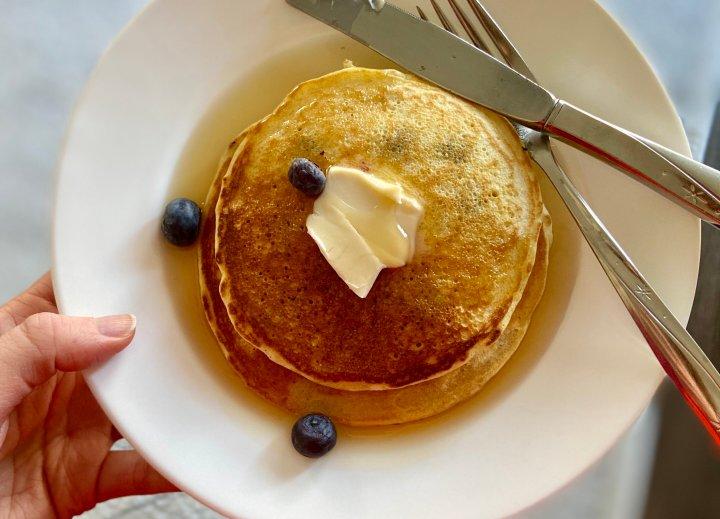 """Kristen Aiken, HuffPost Life's senior Food & Style editor, made her family's """"secret"""" pancake recipe for lunch this week."""
