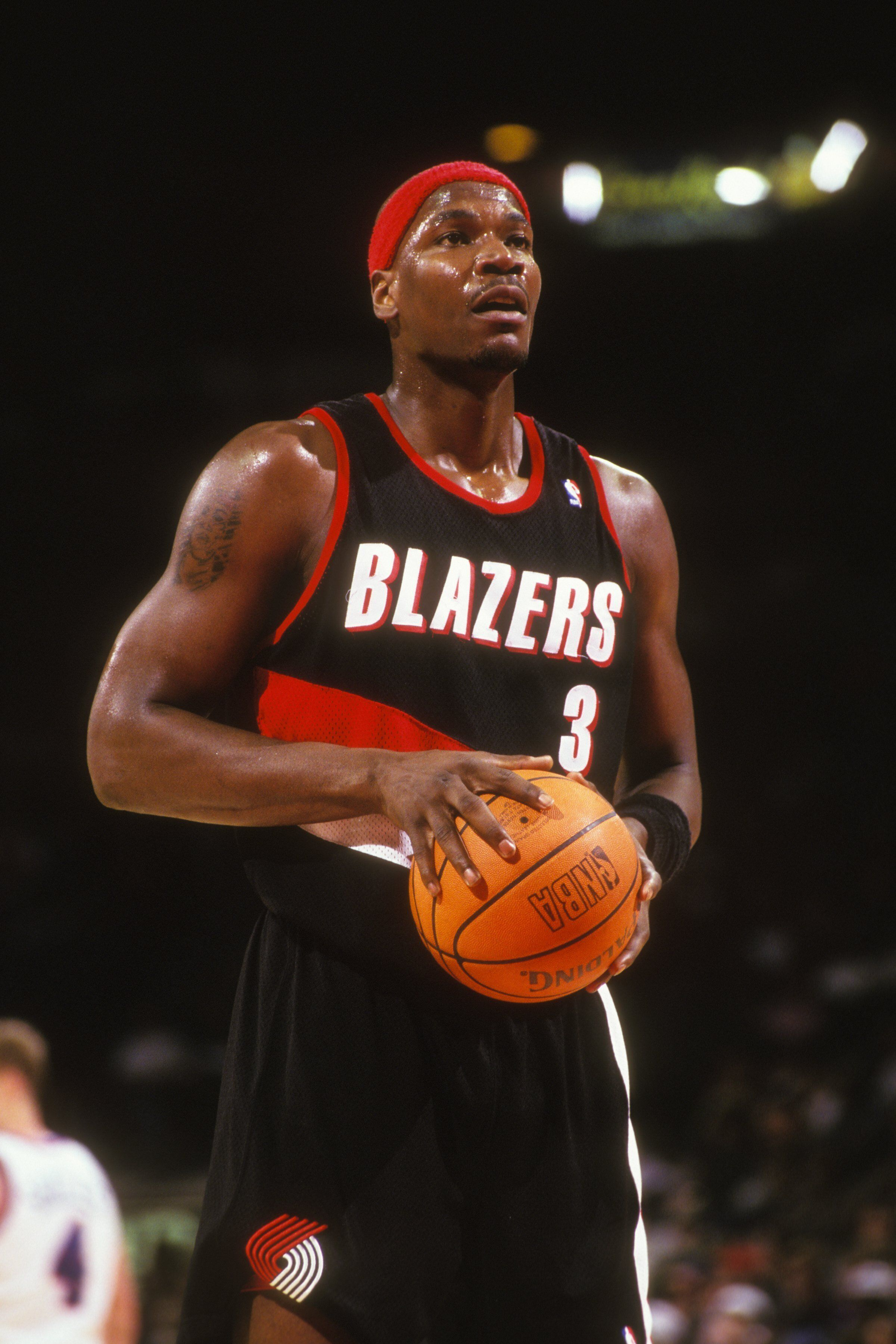 Cliff Robinson takes a foul shot during in game against the Washington Bullets in 1995.