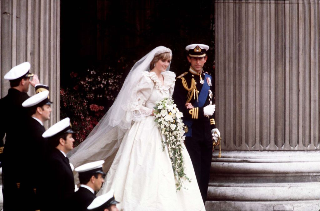 The Crown Shares First Glimpse Of Princess Diana's Wedding Dress And It's Just As Impressive As The Original