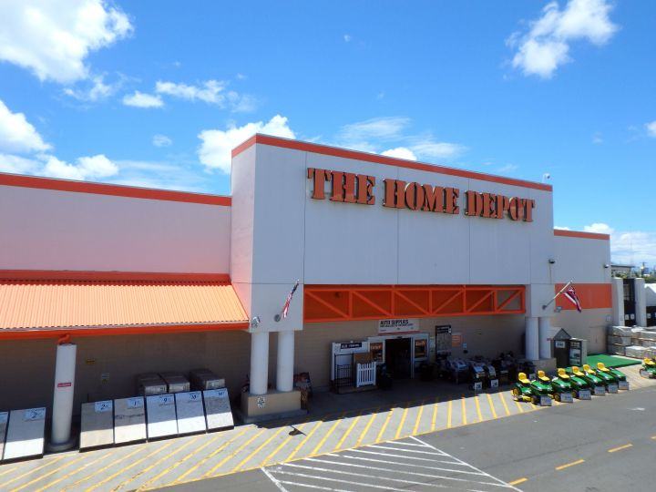 """You just might <i>fall</i> for this one: The Home Depot's &ldquo;<a href=""""https://fave.co/3deKpI3"""" target=""""_blank"""" rel=""""noopener noreferrer"""">Fall Savings</a>"""" is here."""