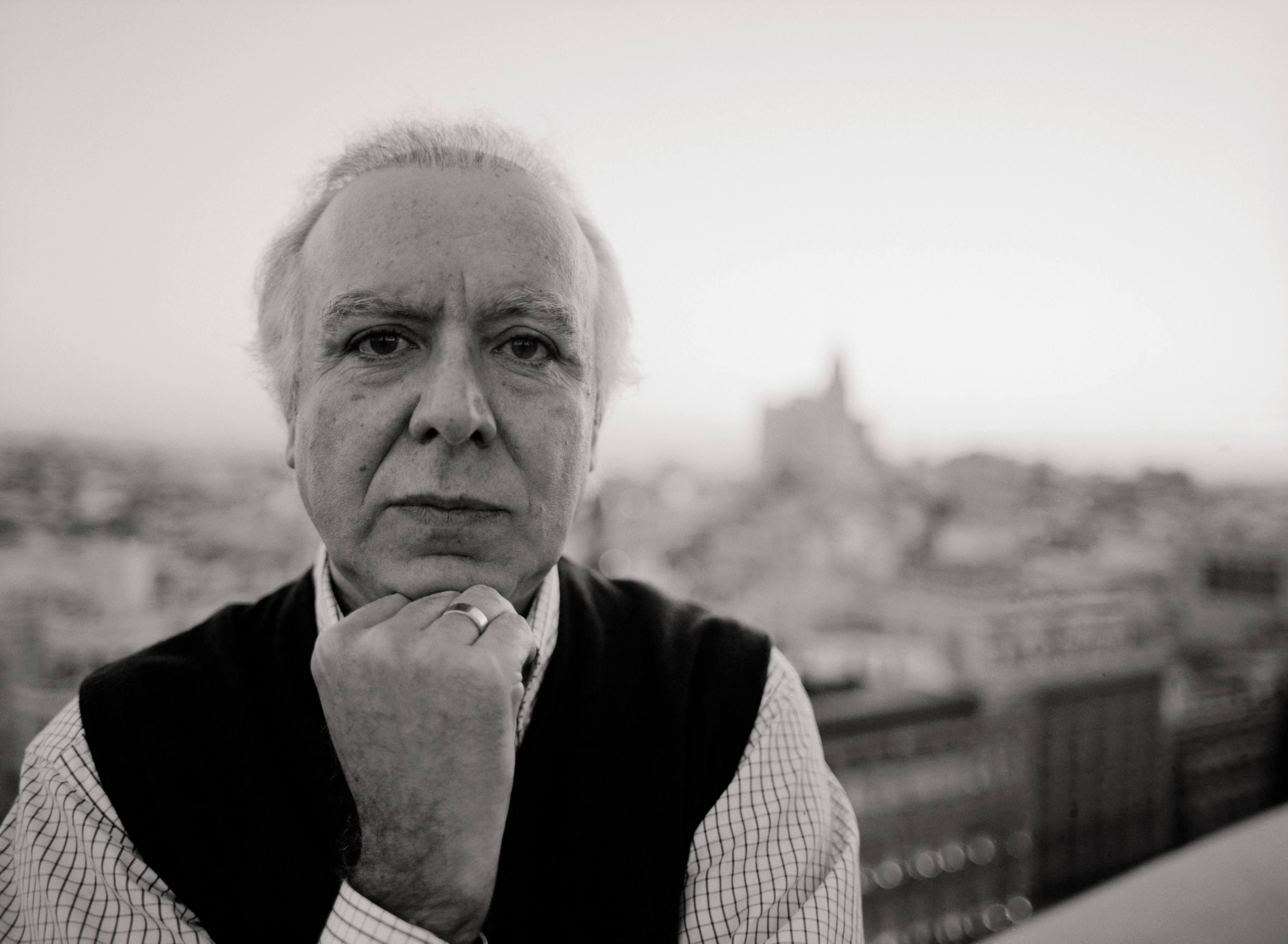 Légende au Portugal, le chanteur de fado Carlos do Carmo, surnommé