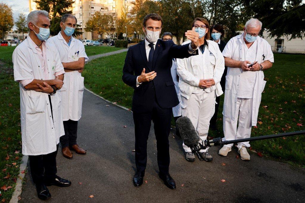 En pleine épidémie, Emmanuel Macron ne veut pas oublier un autre grand combat sanitaire....