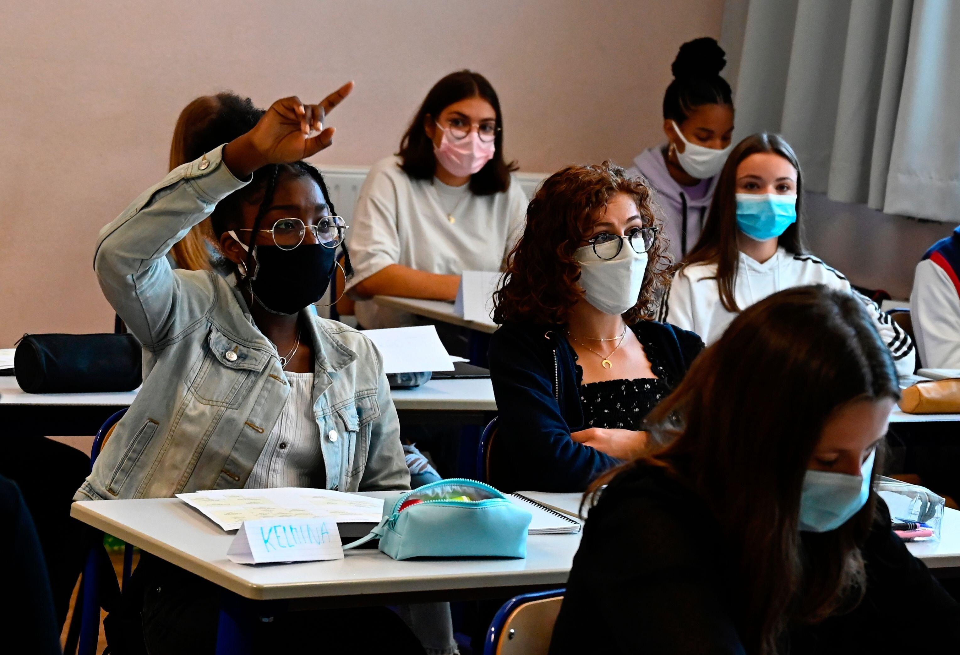 À partir de ce 8 janvier 2021, les masques artisanaux sont interdits dans les établissements...
