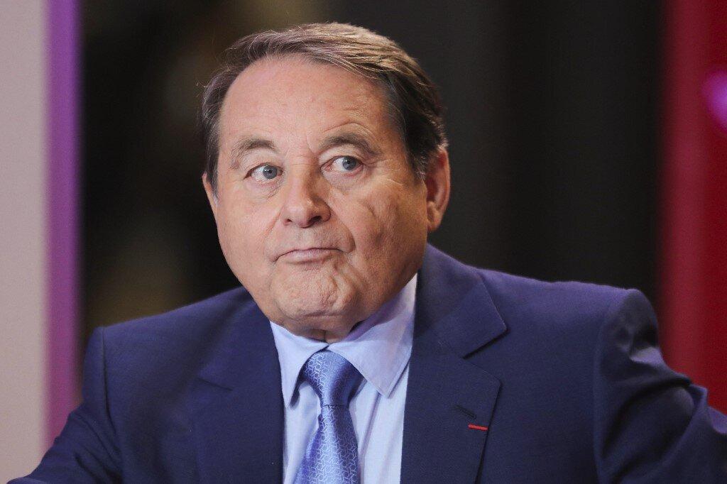 Andre Laignel, le maire d'Issoudun, a décidé de rouvrir partiellement le musée de...