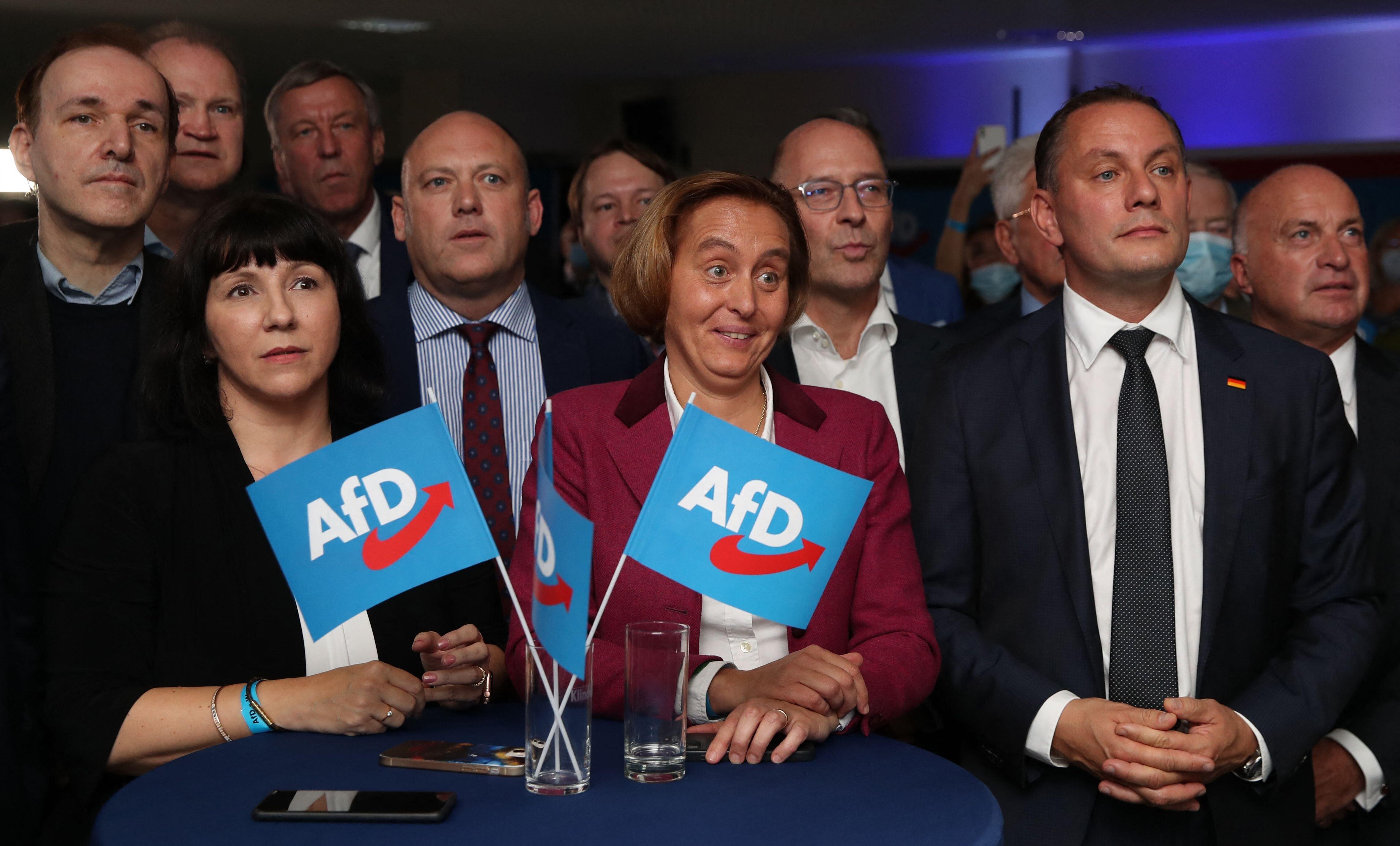 Tragedia en seis fotos: así ha vivido la ultraderecha alemana su resultado en las elecciones