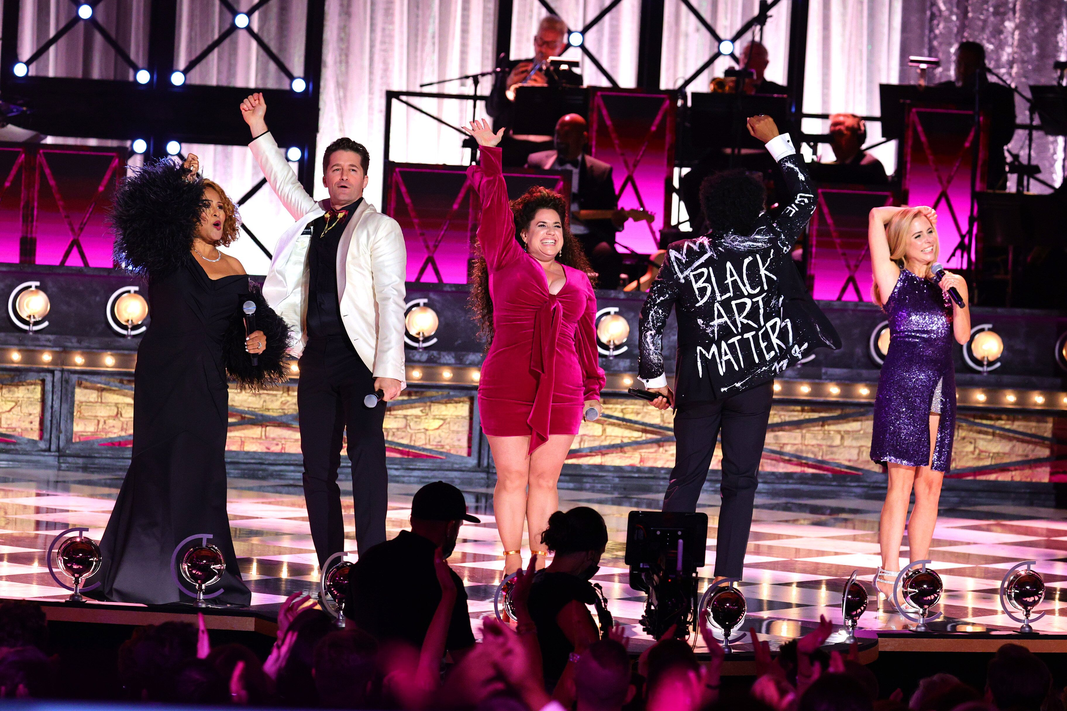"""Darlene Love, Matthew Morrison, Marissa Jaret Winokur, Chester Gregory and Kerry Butler perform """"You Can't Stop the Beat"""" fro"""