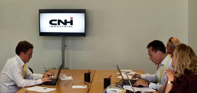 Cnh chiude diversi siti produttivi per carenza di semiconduttori