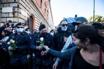 Green Pass Day: nessun trionfalismo, nessuna catastrofe (di A. De Angelis)