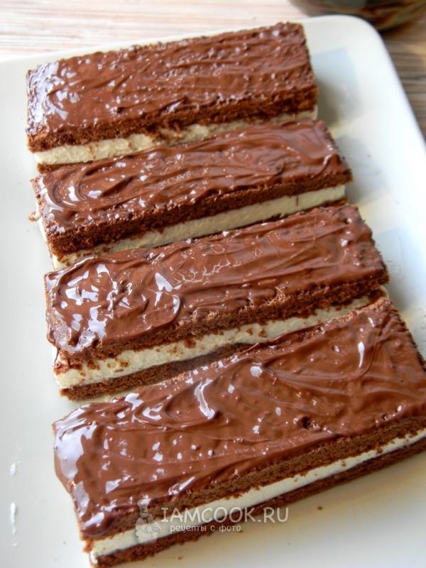 """Oppskrift på en kake à la """"Kinder Milk Slice"""""""