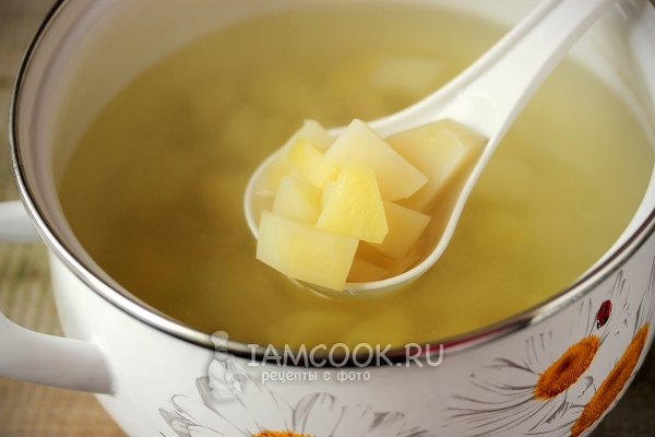 Картофель в воде