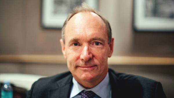 Tim Berners-Lee alerta: web pode ser controlada por governos e corporações