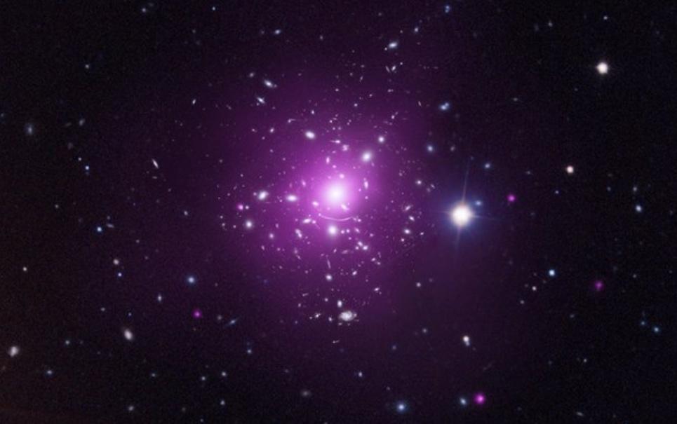 NASA divulga imagem de colisão entre galáxias