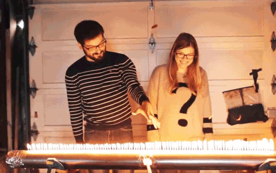 Confira uma reprodução de ondas acústicas de música com fogo [vídeo]