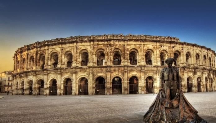 la Arena de Nimes, Francia