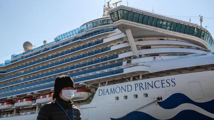 Crucero Diamond Pricess atracado por cuarentena