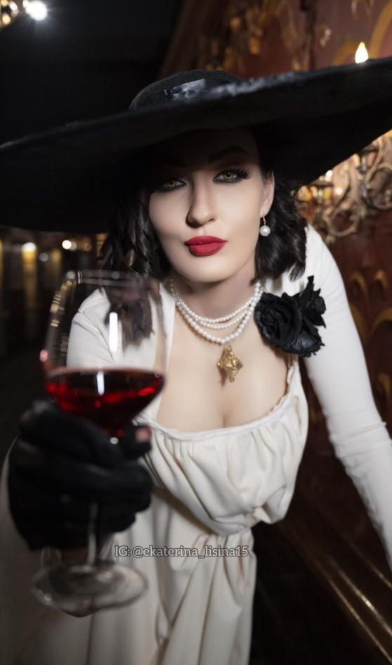 Ekaterina Lisina in her realistic Lady Dimitrescu cosplay