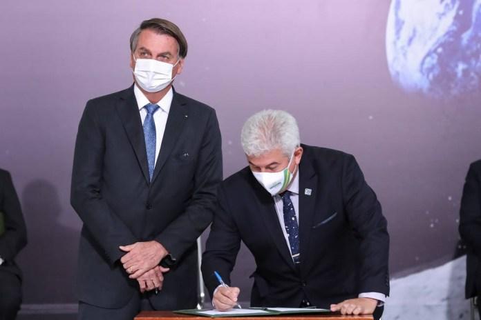 Bolsonaro e ministro Pontes