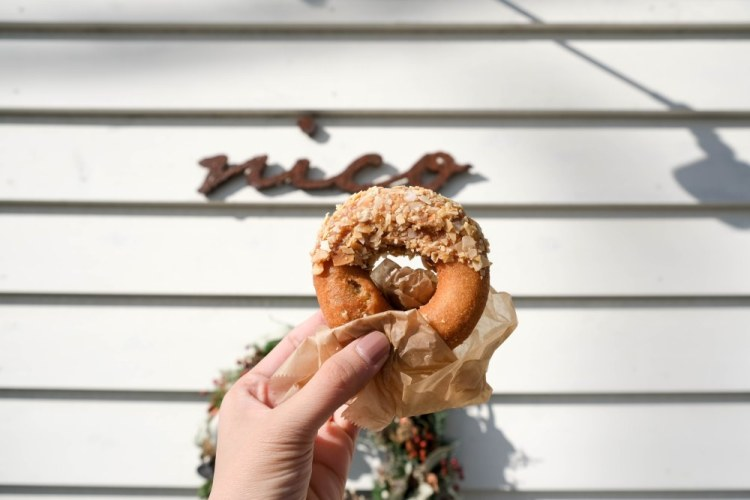 福岡美食|散步湯布院必買 大豆甜甜圈 好吃到吮指回味|nico ドーナツ 〖食攝人生事務所〗