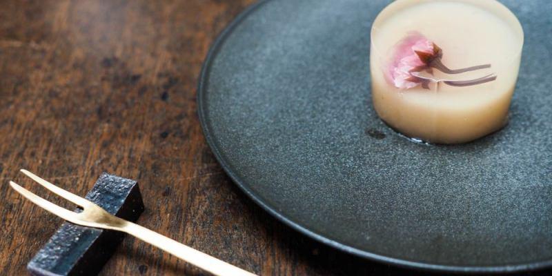 京都美食|うめぞの茶坊,町屋內的極簡日式甜點茶屋 羊羹糕點唯美得讓人捨不得吃下肚