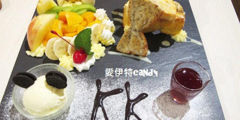 『台中西屯區_KK Banana』活潑的餐廳氛圍,美味的菜餚甜點,值得試試的下午茶