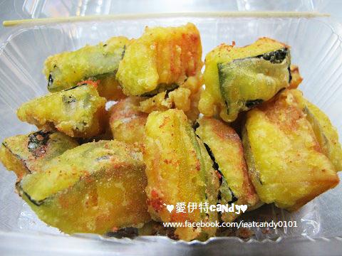 『嘉義西區_基隆廟口鹽酥雞(嘉義總店) 』完全不吃油的鹽酥雞,必吃路邊攤,連蔬菜都好好吃~~