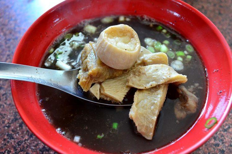 鹿港巷弄小吃_牛肉香│滿滿料的牛雜湯!深受伯伯們喜愛的隱藏小吃。