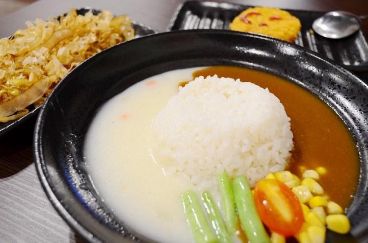 鹿港美食_Nice Nine雙醬咖哩│新開幕咖哩店!在復古氛圍中享用不同風味的咖哩。
