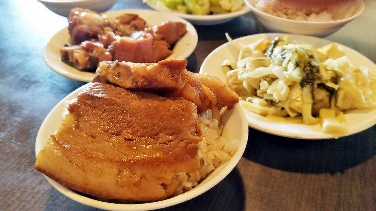 溪湖美食_溪湖阿讚豬腳爌肉飯│入口即化超人氣豬腳爌肉飯,許多人喜愛的美食~