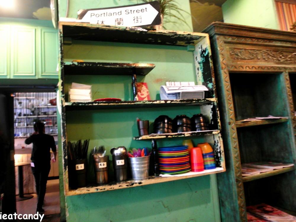 員林美食_喜喜茶室│員林火車站附近小吃,冰火菠蘿油,法蘭西多士都好罪惡阿~~ - 愛伊特candy的分享樂園