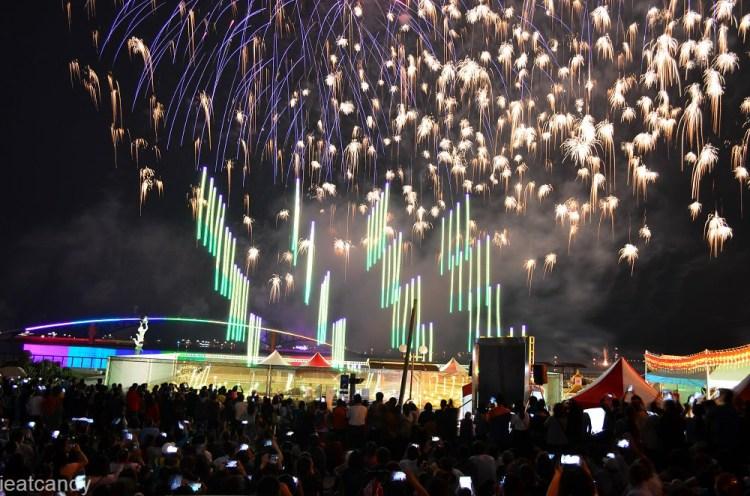 2019澎湖國際海上花火節│第一次有百架無人機一起並肩齊放!超壯觀!