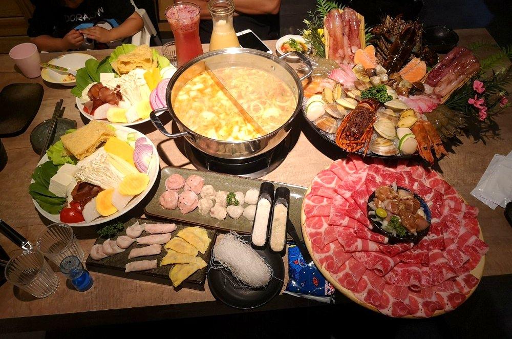 深紅(昇鴻)汕頭鍋物│台中美村路火鍋、西區火鍋推薦,一個人不用八百元就能吃到龍蝦!