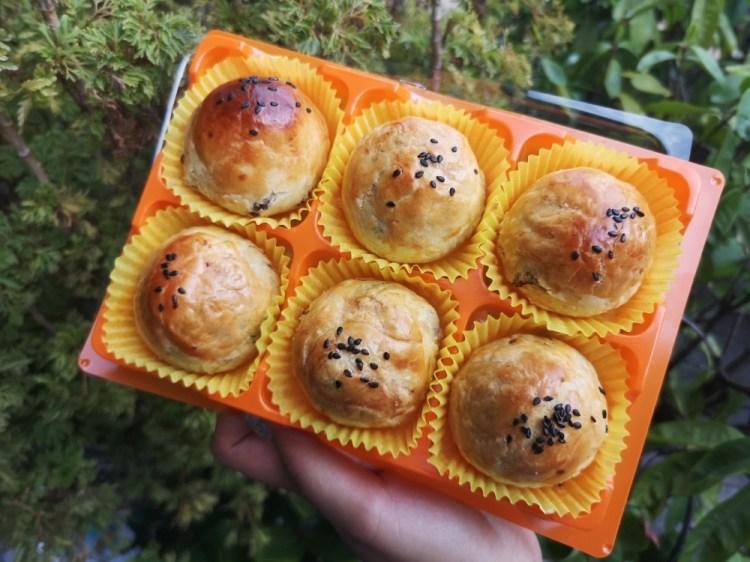 這一家蛋黃酥│彰化蛋黃酥、彰化伴手禮,不甜膩的內餡,乾爽的外皮,滋味也是挺不錯的~