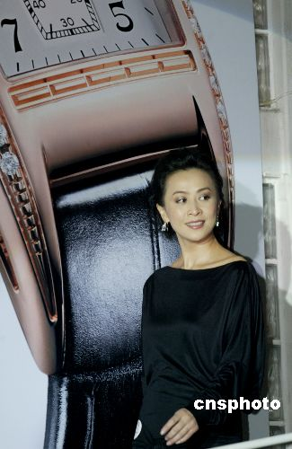 劉嘉玲睹李嫣心在流淚 感激王菲唱生日歌_娛樂_鳳凰新媒體