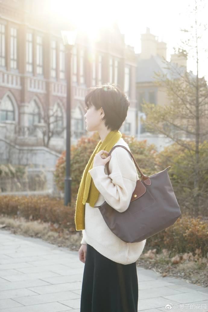 50位時尚博主曬出最值得入手的包。有你喜歡的嗎?送你一個-趣讀