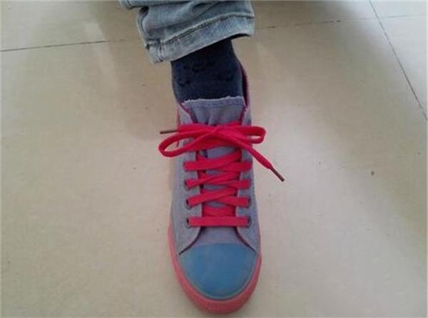 生活小常識:鞋帶蝴蝶結的打法 鞋帶蝴蝶結的系法圖解 - 愛我窩