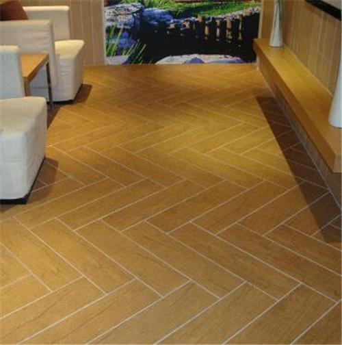 木紋瓷磚鋪著方向有講究嗎 客廳鋪仿古磚效果如何 - 愛我窩
