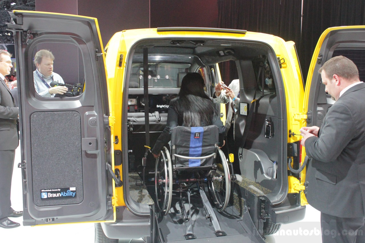 wheelchair rental new york barrel dining chairs set of 2 live nissan nv200 evalia mobility taxi unveiled
