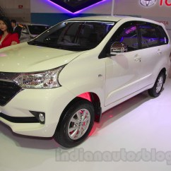 Grand New Avanza Serayamotor Jual Bumper Veloz Toyota Front Three Quarter At The 2015 Iims