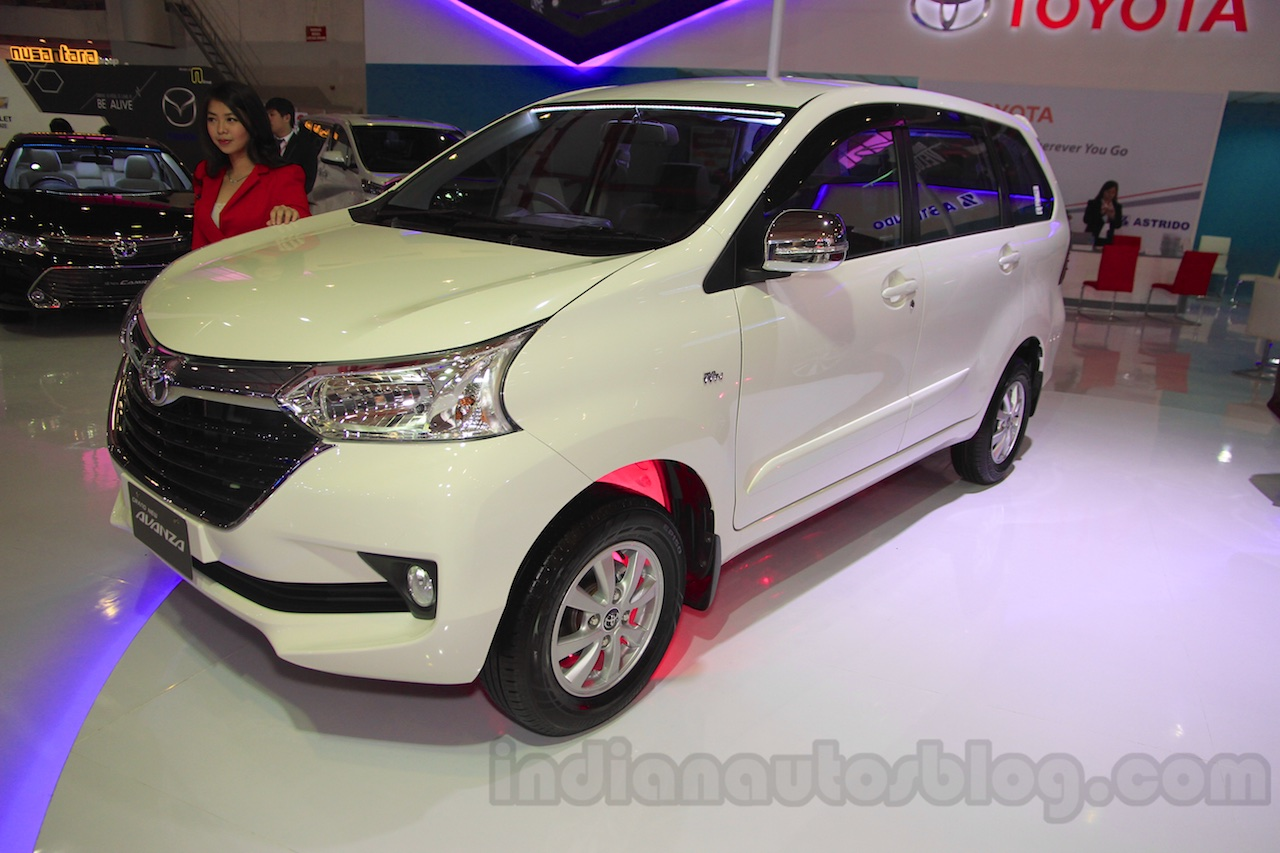 grand new avanza ngelitik review veloz 1.5 toyota front three quarter at the 2015 iims