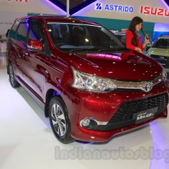 Gambar Toyota Grand New Veloz Yaris Hatchback Trd Front Quarter At The 2015 Iims