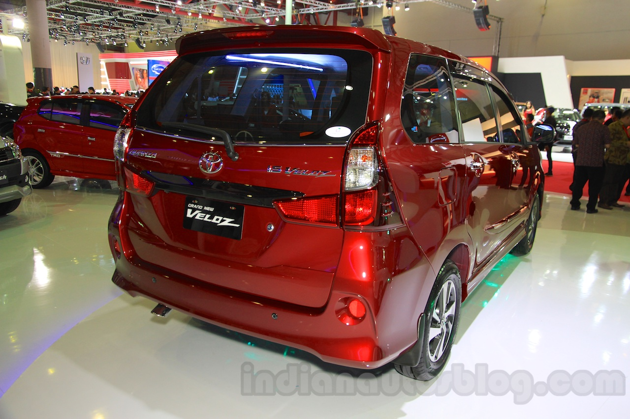 gambar toyota grand new veloz aksesoris avanza 2016 and iims 2015 live rear quarter at the
