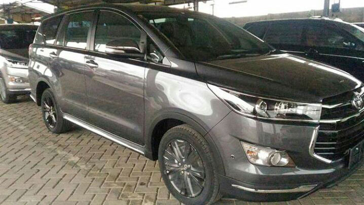 all new innova venturer interior roof rack grand avanza toyota exterior photos surface grey spy shot
