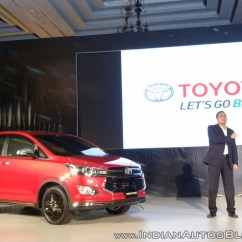 All New Innova Venturer 2017 Jual Toyota Corolla Altis Launched In Indonesia With 15 Changes Front Three Quarter Live Image
