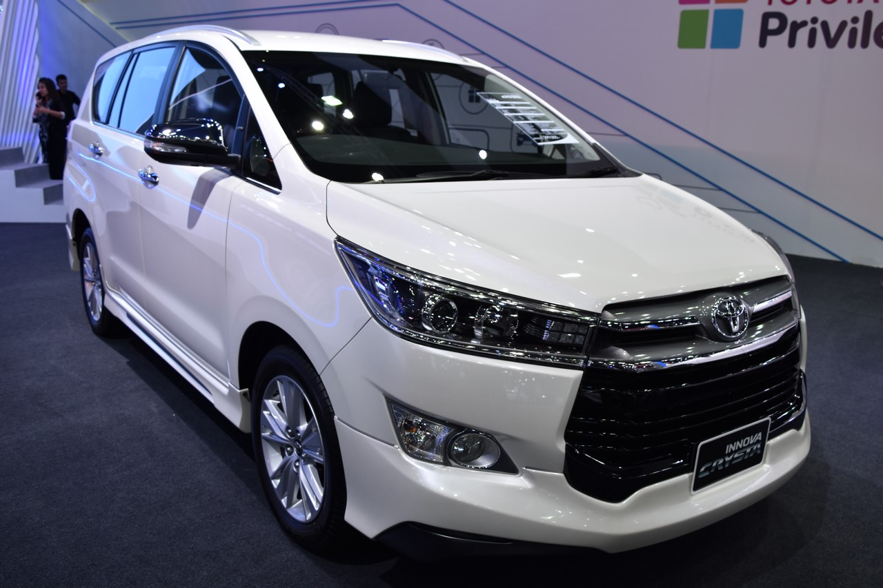 all new kijang innova g 2017 velg grand avanza veloz toyota crysta showcased at bims