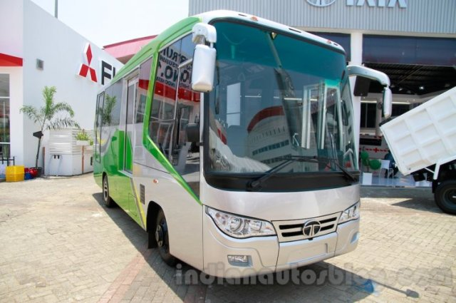 23-seat Tata LP 713 Bus at the 2014 Indonesia International Motor Show front quarters