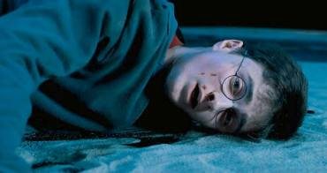你覺得《哈利波特》裡最悲慘的角色是誰?網友毒舌票選,哈利連前三名都排不上! - 我們用電影寫日記