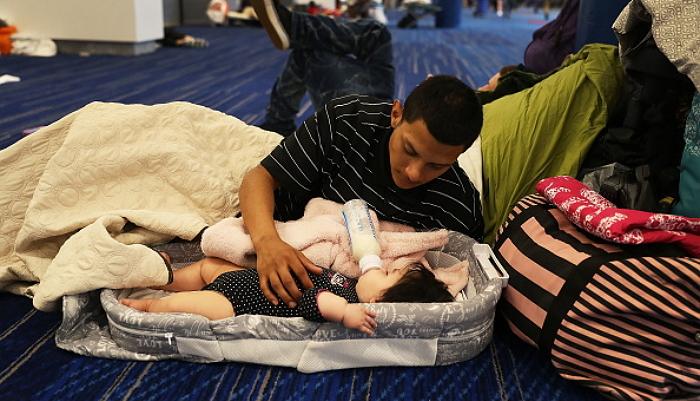 ハリケーンハービーで被害を受けた家族