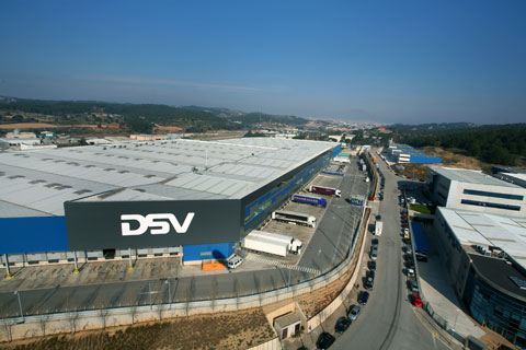 DSV Solutions extends its offer to the chemical sector  Logistics storage and freight