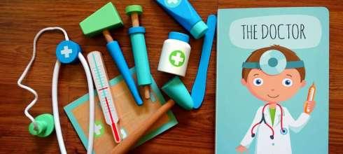 親子共讀再出招 Sassi The Doctor 角色扮演醫生遊戲書盒 反射錘玩到停不下來